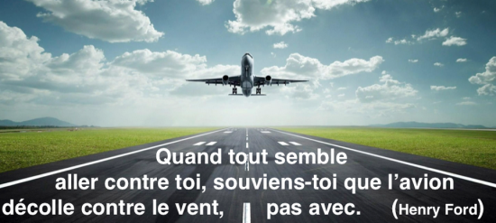 L avion decolle contre le vent